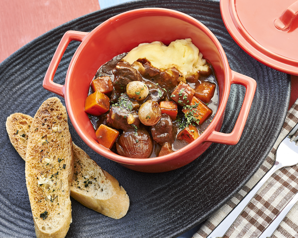 Spuds and Aprons: Al Fresco Dining with a View