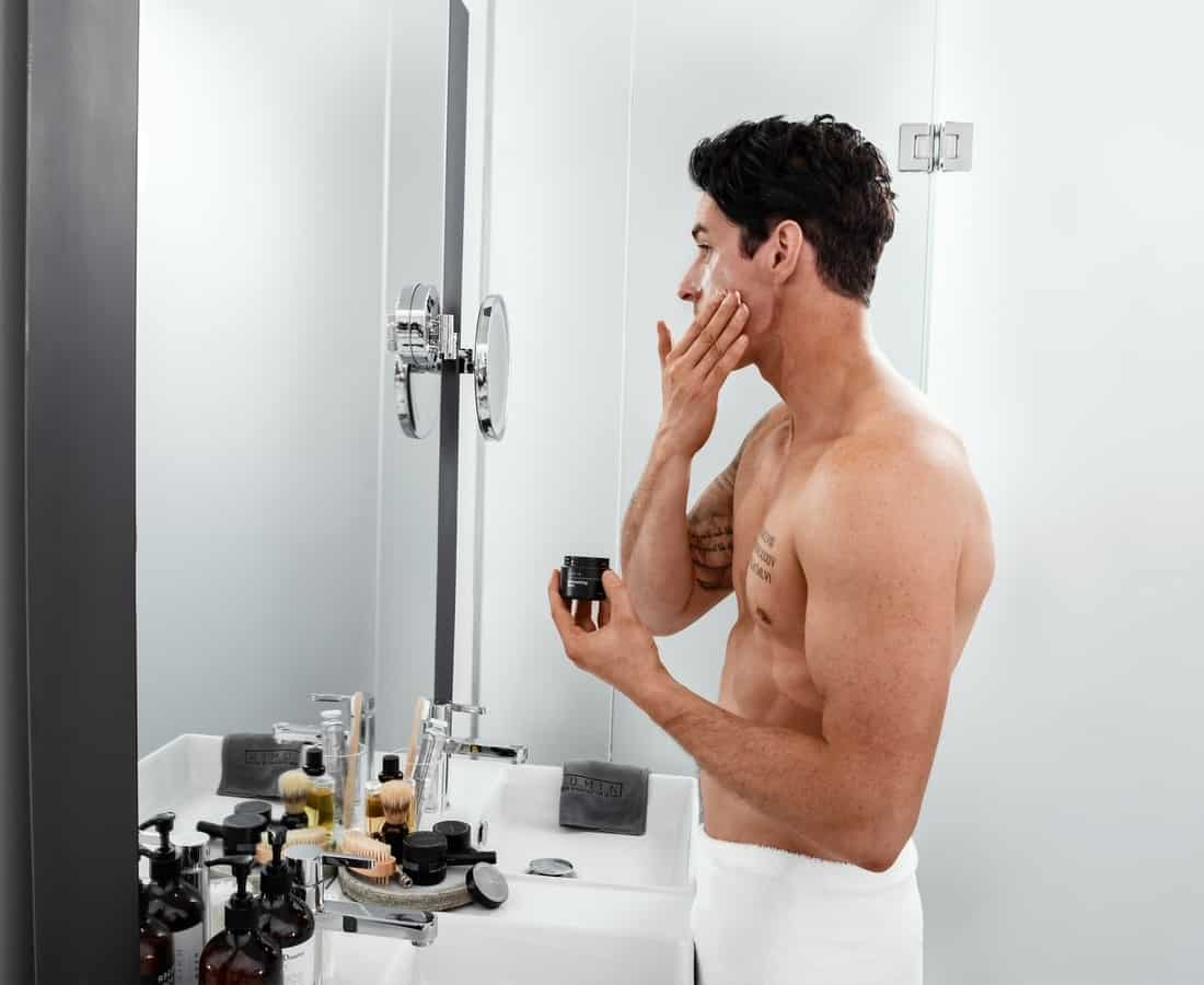 A Step-By-Step Guide To Men's Skincare: Cleansers, Toners & Moisturizers Demystified
