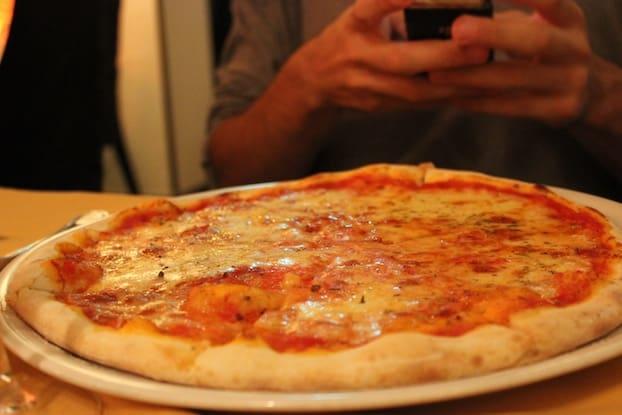 Margarita pizza at etna italian restaurant singapore